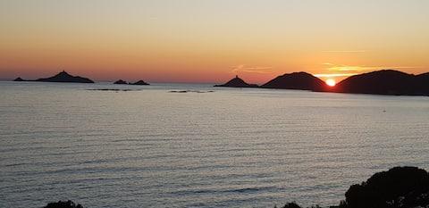 T2 cosy, vue mer panoramique, piscine & proche mer