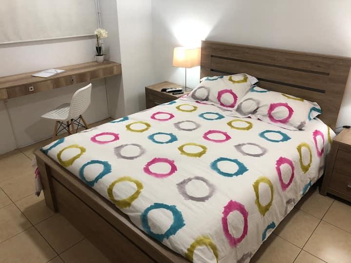 Elegant Studio Apartment in Lomas de Urdesa