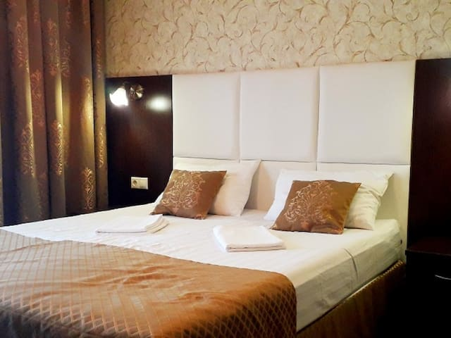 Double room 1 extra bed (with terrace). Strass Hotel