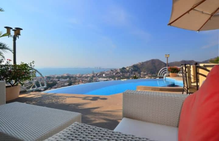 Stunning house, private pool, ocean views