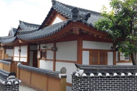 여행가 본채(단독건물) - Wansan-gu, Jeonju - Дом
