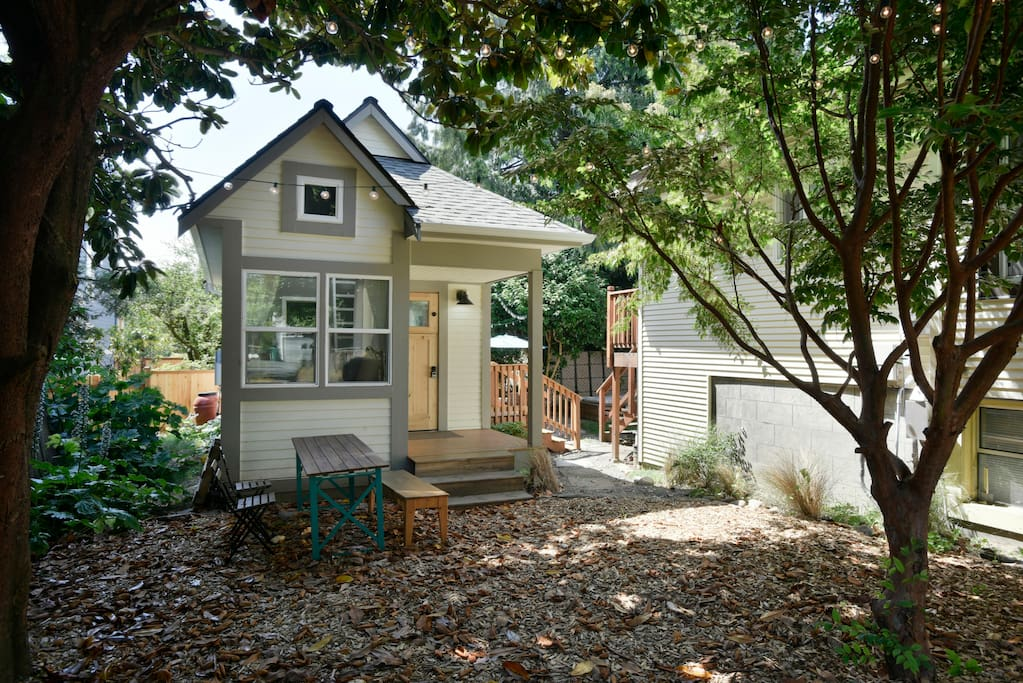 Bright and sunny ballard tiny house bungalows for rent for Ballard house