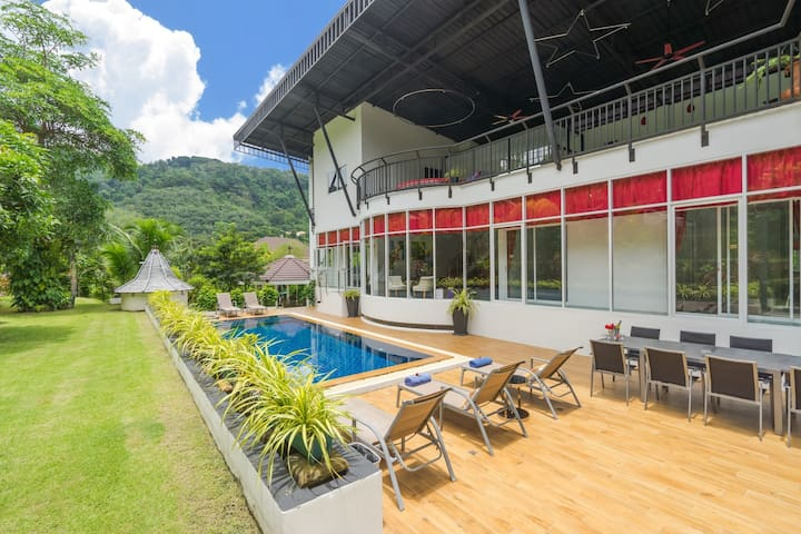 Holiday Private Pool Villa for Large Family Phuket