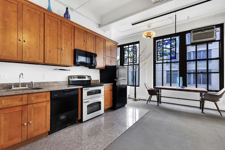 Large Loft Times Square Apartment