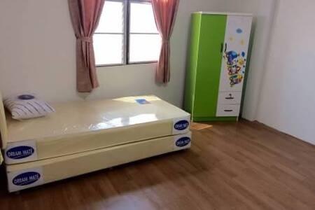 ห้องพักอุ่นใจใกล้เซ็นทรัลอุดร - Udon Thani - House