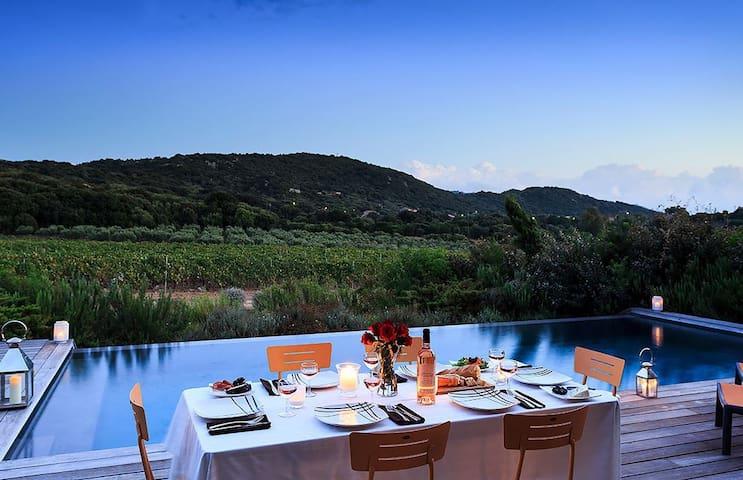 Villa dans vignes piscine privéechauffée 10mnplage