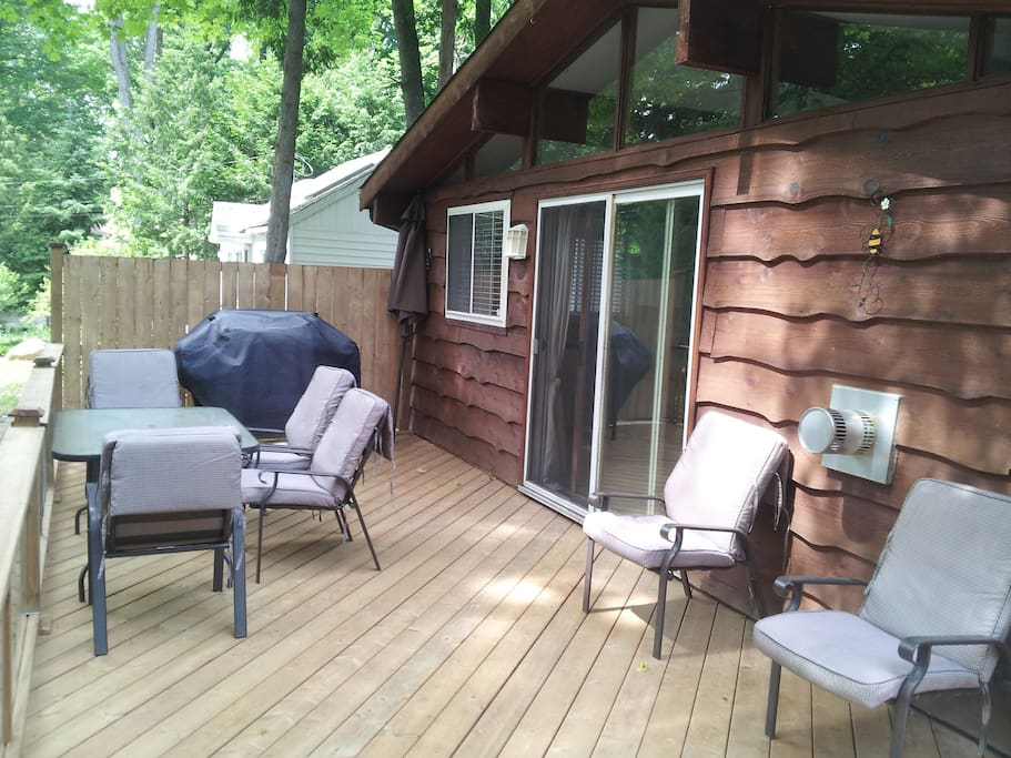 Large deck perfect for the family to sit back relax and dine