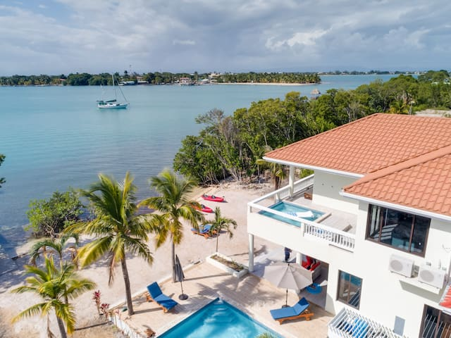 GORGEOUS LUXURY HOME ON PRIVATE ISLAND W/ 2 POOLS