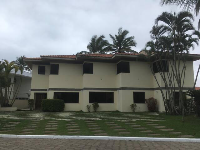 Bougainville I - Casa 5 suítes