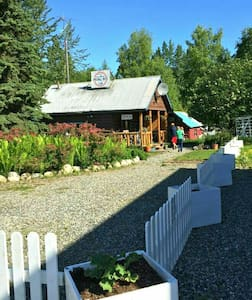 Charming historic downtown cabin - Talkeetna