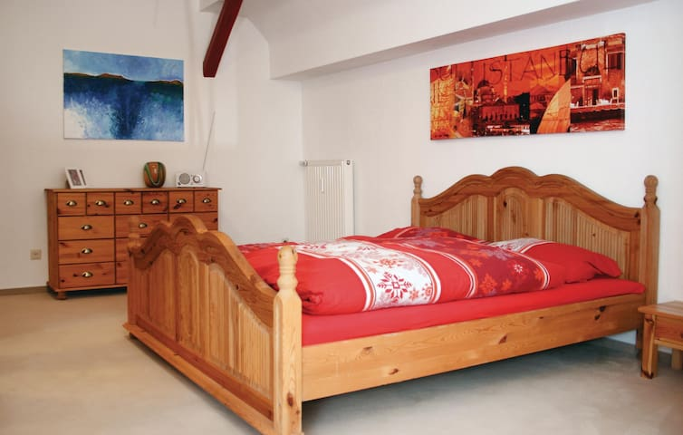 Holiday apartment with 3 bedrooms on 90m² in Tambach-Dietharz