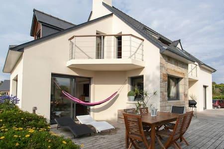 Belle chambre dans villa vue mer avec grand jardin - Pleumeur-Bodou