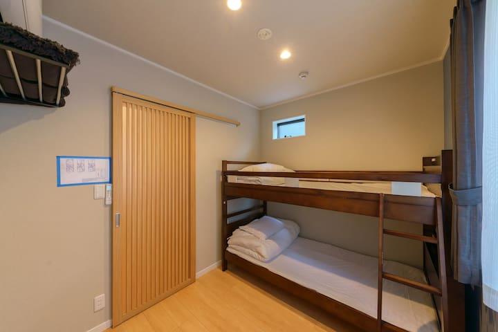 Bedroomn4