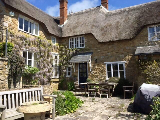 Abbotsbury - Jurassic Coast - Four bedroom cottage
