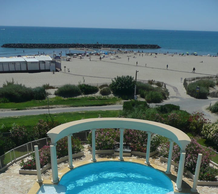 ♥♥♥ 4* on beach, panoramic seaview just for you