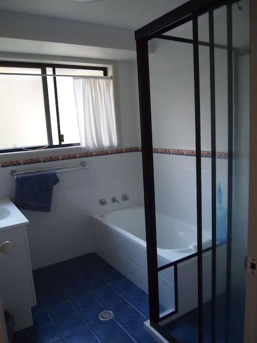 Guests private bathroom & toilet