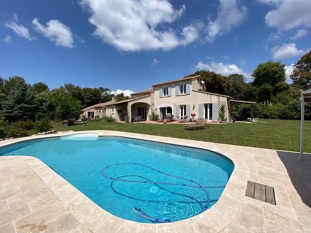 Villa avec piscine rognes