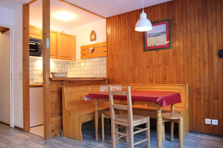 4 persons studio in a living area (LES NEVES)