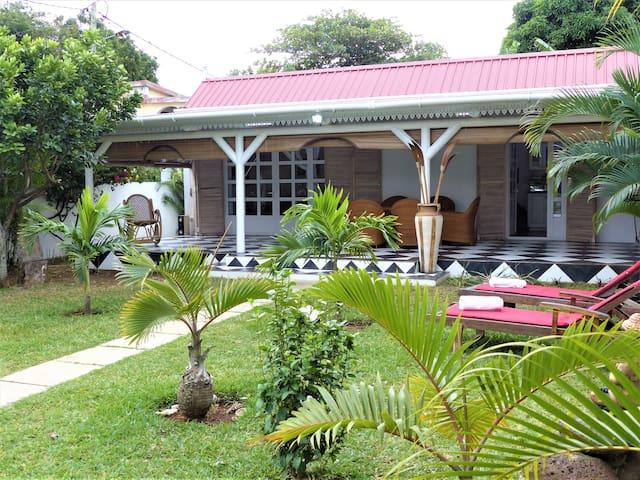 villa indian location maison le maurice h user zur. Black Bedroom Furniture Sets. Home Design Ideas