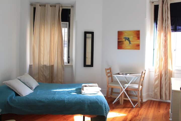 Nice place at musicians' home nearby Alfama