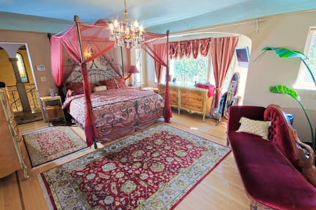 Red Lotus Suite in historic B & B - Ojai