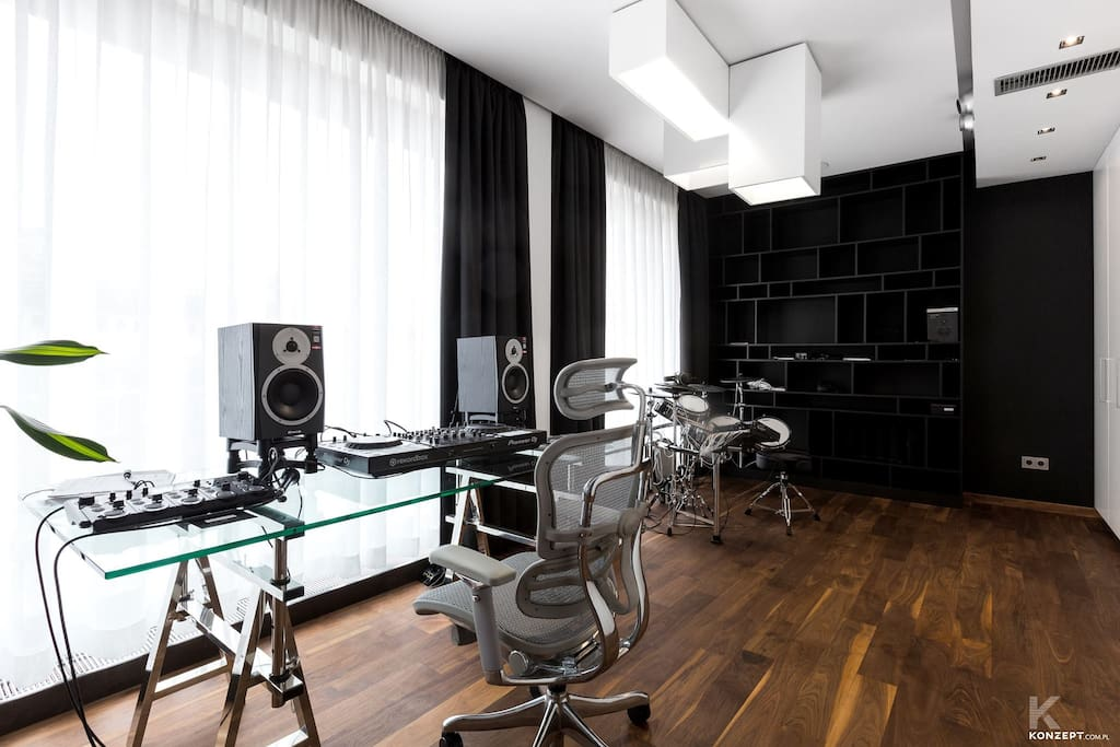 office / studio