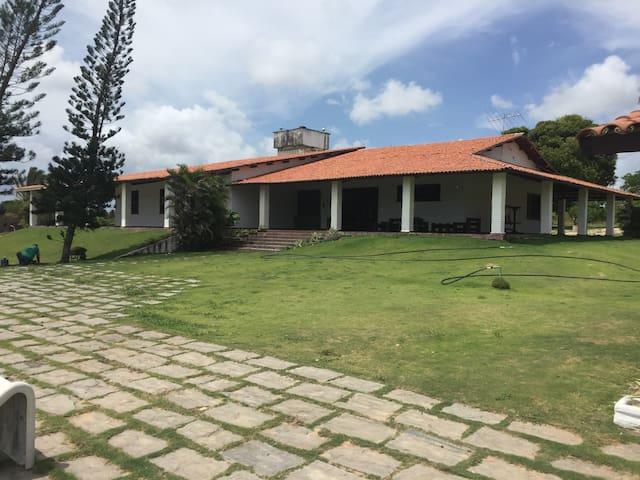 Melhor Casa de campo  no Euzébio 4 quartos - Eusébio - Houten huisje