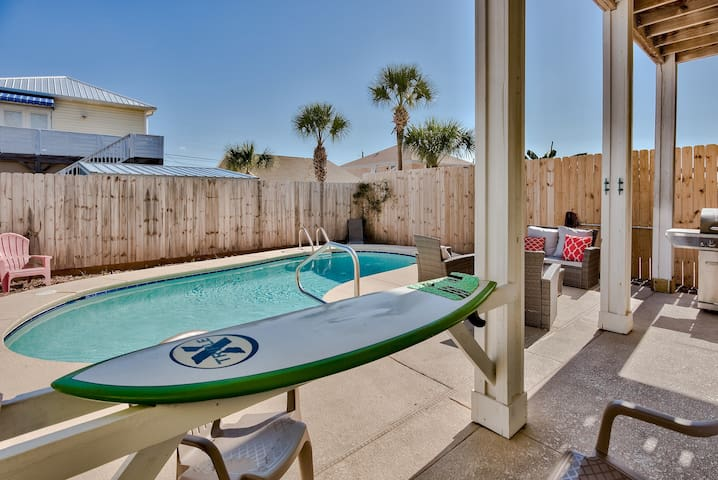 Prvt Pool, 3 Master Suites & Short Walk to Beach