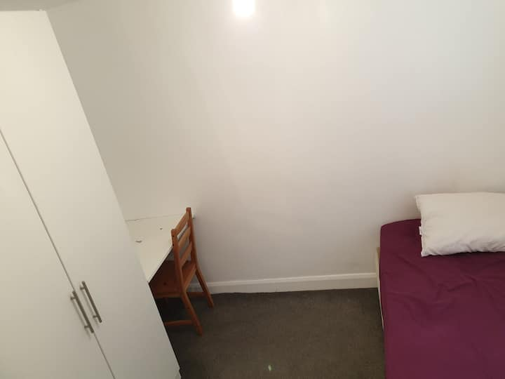 Single room with sharing kitchen and bath
