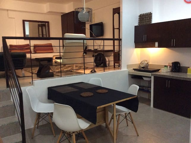 Lower Ground apartment - Malay - Condominium
