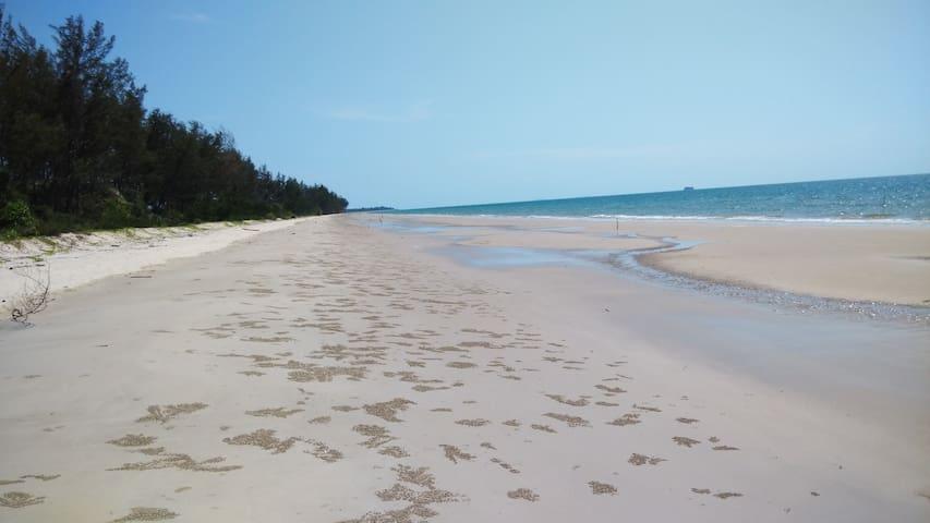 Calvin's Sabah Homestay (Melinsung Beach, Sabah)