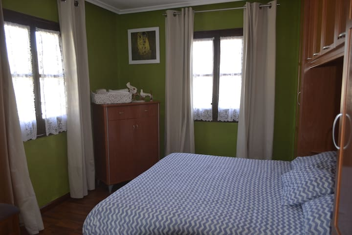 FLAT COQUETO AND QUIET, WIFI (IDEAL FAMILIES) - Avilés - Appartement