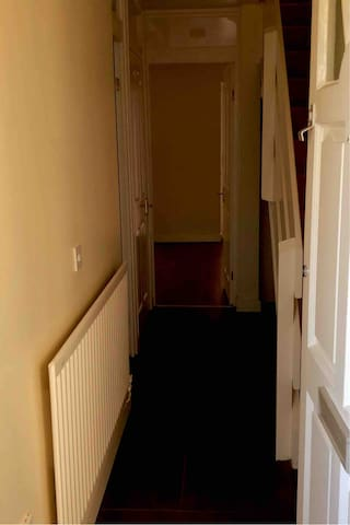 House to let close to QE hospital