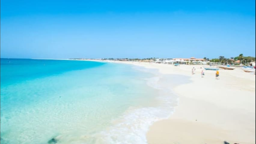Superior apartment, close to beach, full air con.