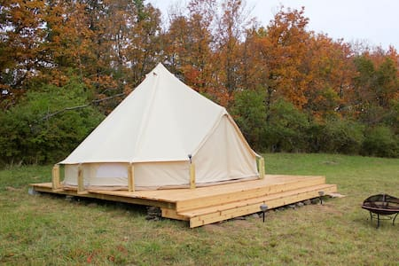 Upstate glamping at Gatherwild Ranch - Germantown
