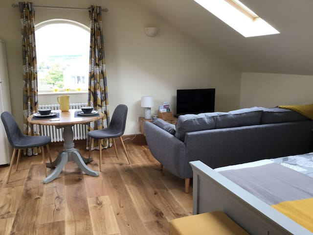 Holmfirth 'Lavender Lodge' 1 bed studio for 2