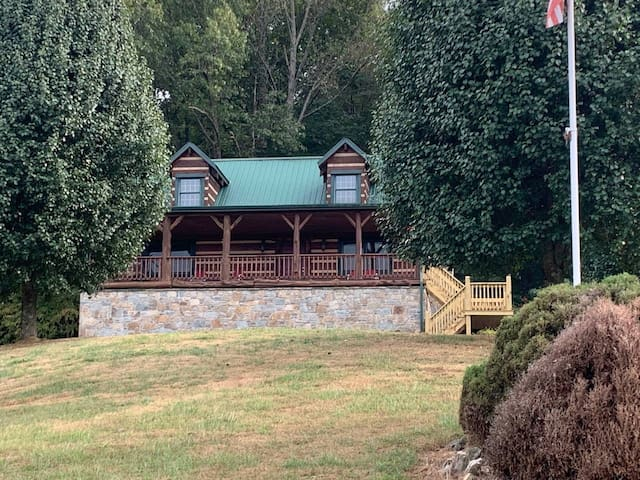 The Log House at Dale Hollow Lake