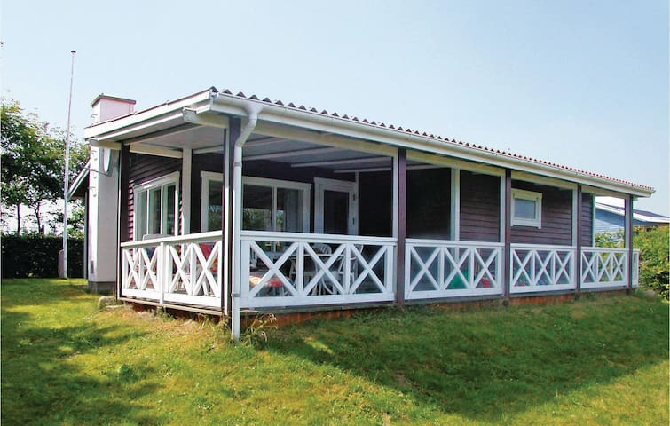 Holiday cottage with 2 bedrooms on 62m² in Hadsund