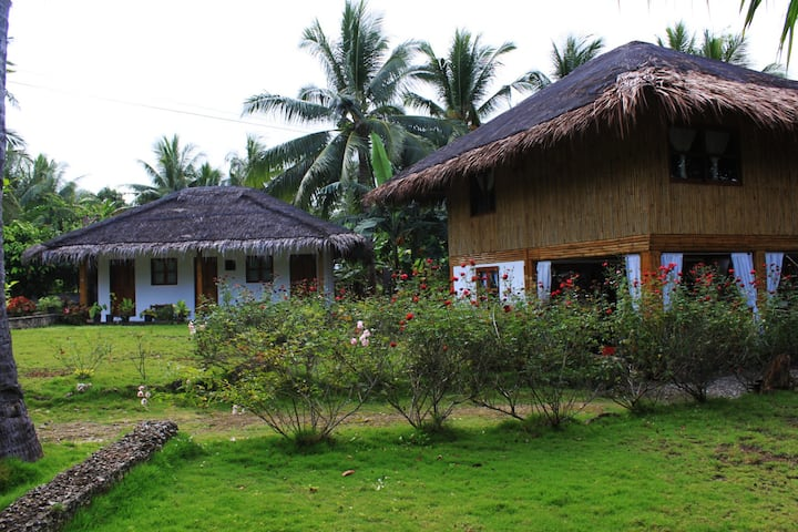 2 charming houses, near beach, swimming pool