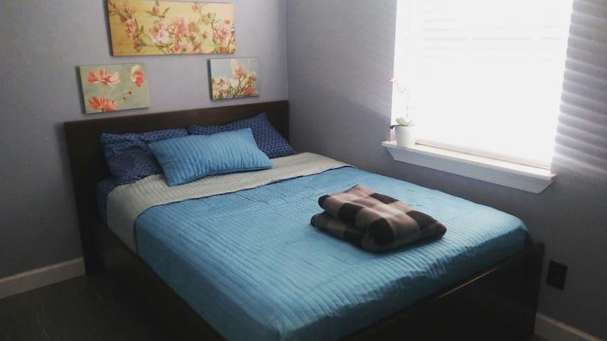 Bed near AttractionsDisneyUniversal - Orlando - Casa