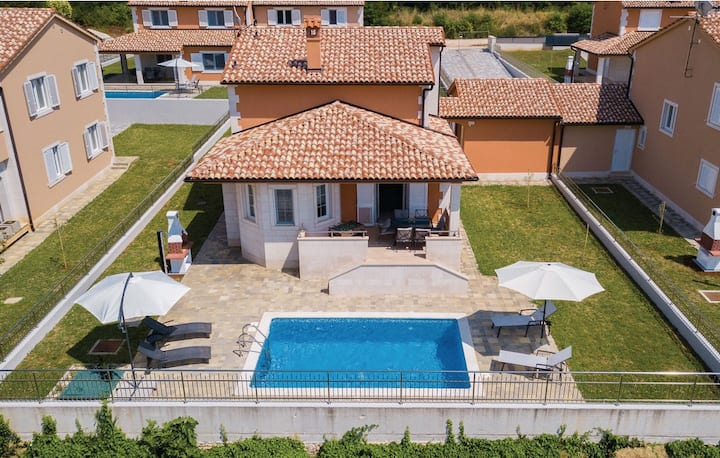 Villas resort in Pula / Luxury villa with private pool 13D