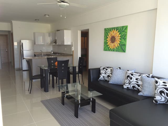 Modern 2BR w/Parking City and Ocean View - Santo Domingo - Apartment