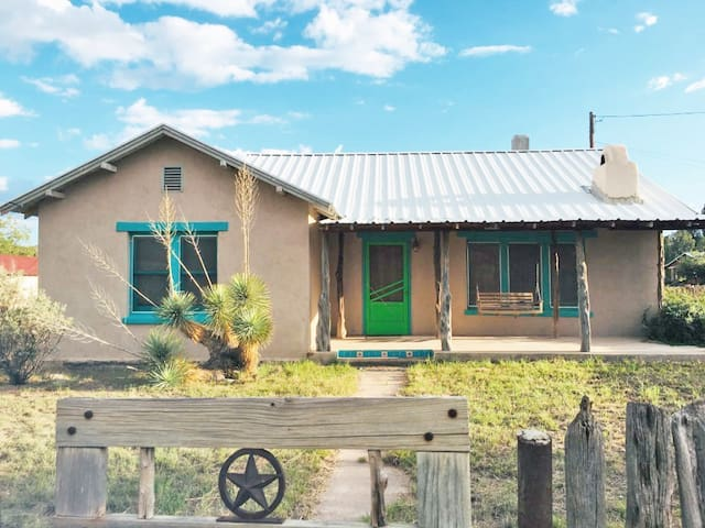 Cozy Adobe Home In Fort Davis!!!