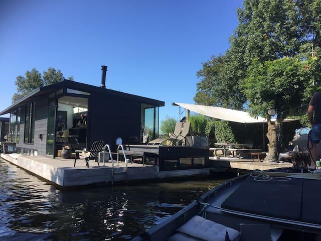 Prachtige moderne woonark heel vrij - Nieuwersluis - Boot