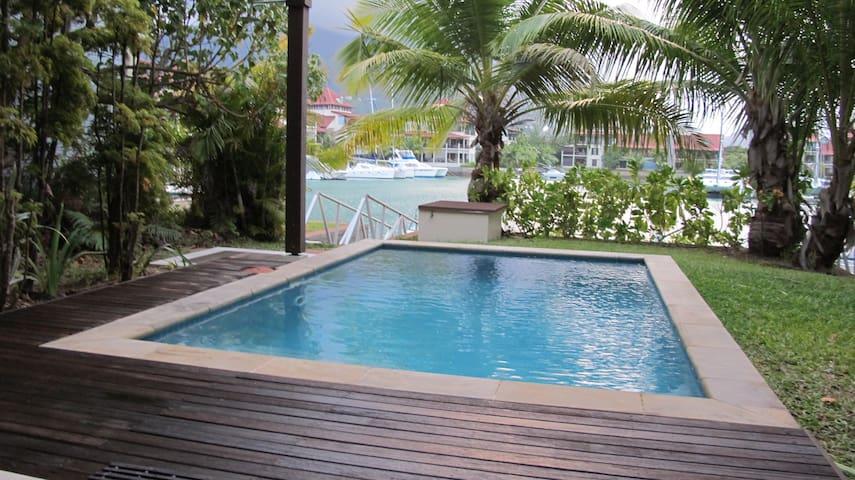 Maison Bigorno by Simply-Seychelles
