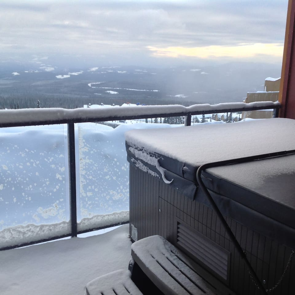 Enjoy the fireworks on Saturday evening in private hot tub with a gorgeous view of the Monashee Mountains