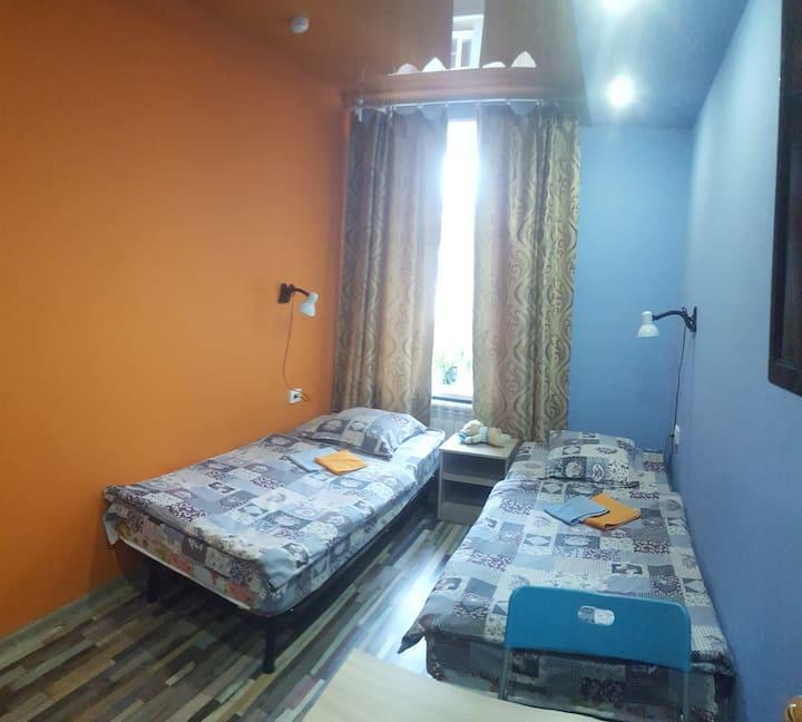 Комната для двоих с двумя раздельными кроватями