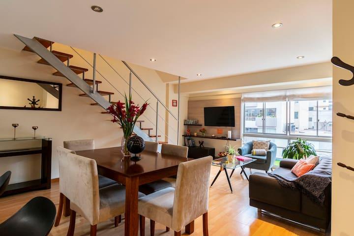 Miraflores Apartment Duplex (2 blocks Malecon)