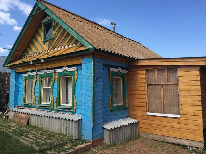 Деревенский дом на Волге