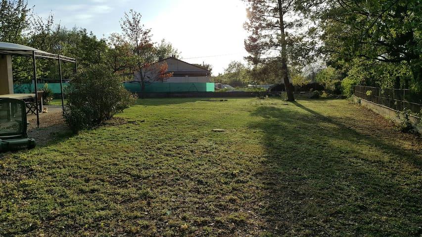Calme spacieux et convivial - Sainte-Anastasie-sur-Issole - Villa